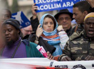 160 ألف متظاهر في برشلونة يطالبون الحكومة باستقبال لاجئين.. | مهاجر