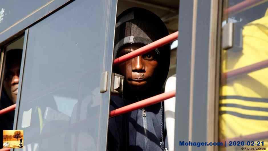 """منظمة الهجرة: المهاجرون يباعون في """"سوق العبيد"""" في ليبيا"""