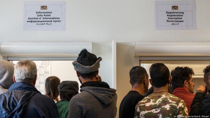 انتشرت أنباء عن قضاء عدد من اللاجئين السوريين إجازة في بلدهم