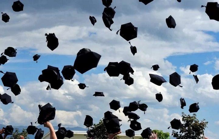 مدارس أونتاريو تحصل على تصريح لإقامة حفلات التخرج