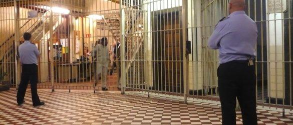 """بلجكيا .. وزيرة العدل تطالب بوقف برنامج """"أئمة السجون الفلمنكي"""""""