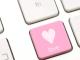 امرأة تقع ضحية موعد رومانسي عبر الإنترنت وتخسر 45000 دولاراً   مهاجر